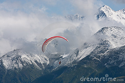 Para-glider againt the alps
