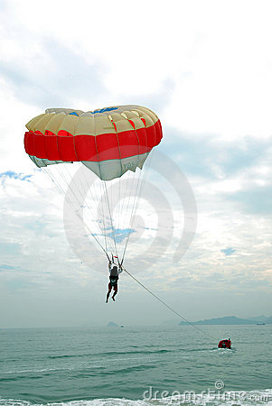 Free PARACHUTE And Ocean Stock Photo - 7193460