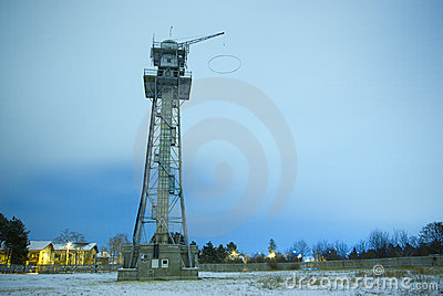 Parachute jump training tower