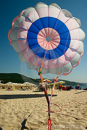 Free Parachute On Sea Beach Royalty Free Stock Images - 2311109