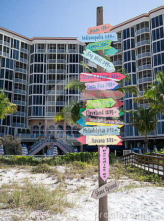Paradise 0 Miles - Shoes Optional - Ft Myers FL Editorial Stock Photo