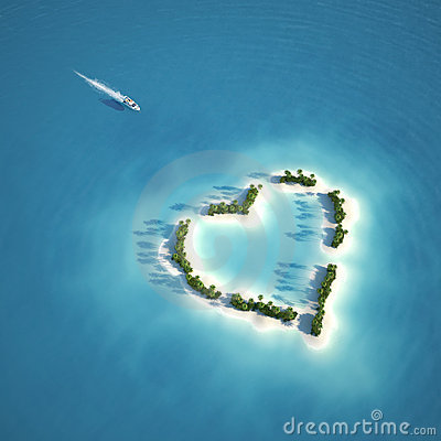 Free Paradise Heart Shaped Island Royalty Free Stock Photography - 22448717