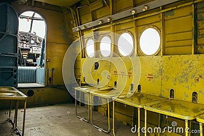 飞行著名苏联平面Paradropper安托诺夫An-2遗产 编辑类库存照片