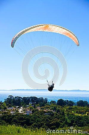 Free Paraglider Above Santa Barbara Royalty Free Stock Photography - 27371477