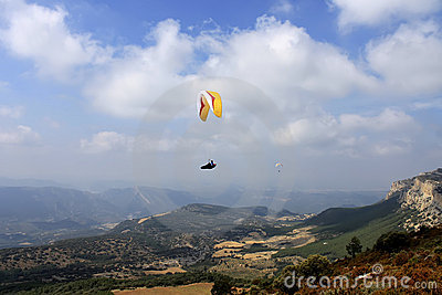 Paragliding, flying free