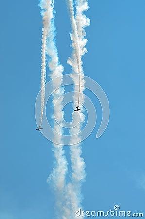 Parallel Diving Stunt Planes
