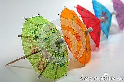 Parapluies colorés de boissons