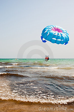 Free Parasailing Over The Sea Royalty Free Stock Photography - 10549027