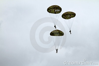 Paratrooper airshow