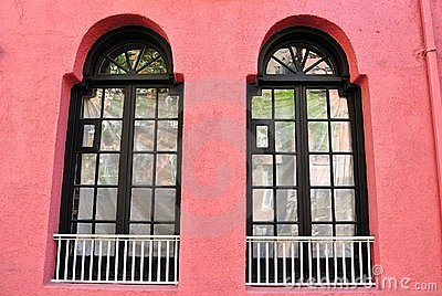 Pared rosada con Windows