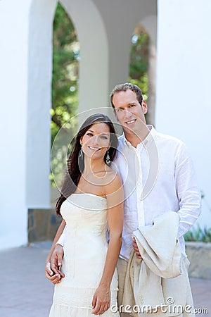 Pares da noiva apenas casados em mediterrâneo