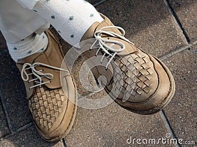 Pares de zapatos que recorren