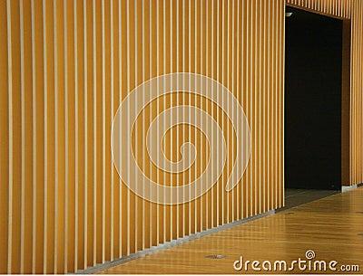 Parete e porta di legno del pannello fotografia stock   immagine ...