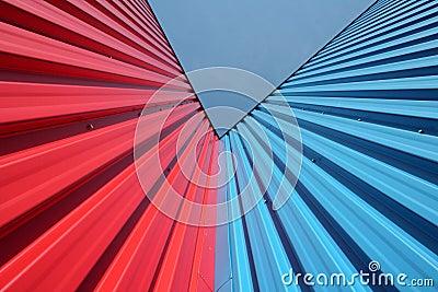 Pareti rosse e blu