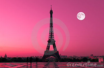 Parijs in Dawn