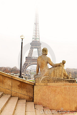 Free Paris 41 Royalty Free Stock Photo - 679105