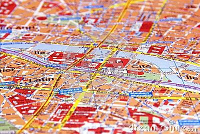 Paris auf der Karte