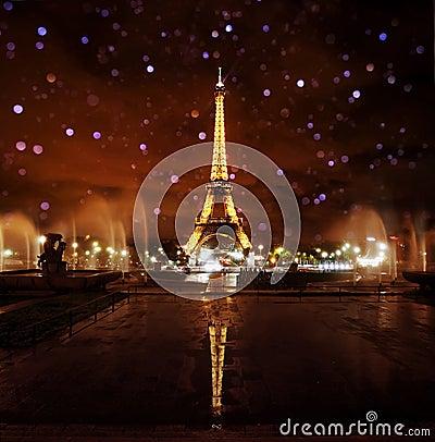 Free Paris Eiffel Tower At Night Stock Photo - 22365780