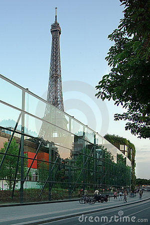 Paris Eiffel Tower, Quai Branly
