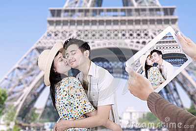 Paris eiffel tower romantic couple kissing