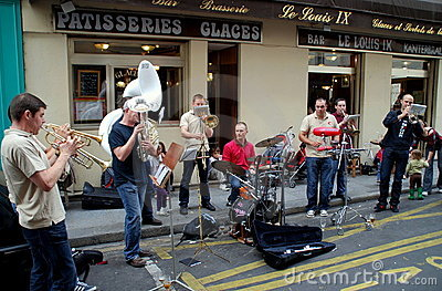 Paris, France: Street Musicians Editorial Stock Image