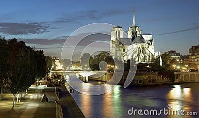 Paris : Ile de la cite and Notre Dame cathedral