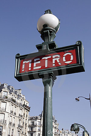 Free Paris Metro Sign Royalty Free Stock Photo - 4072495