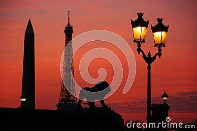 Paris na noite