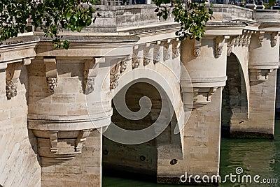 Paris, Pont Neuf detail