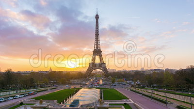 Paris sunrise. 4K timelapse of Paris at sunrise with the Eiffel Tower at the Trocadero gardens