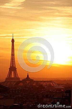 Paris sunset effel tower cityscape