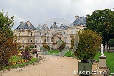 Park in paris jardin luxembourg