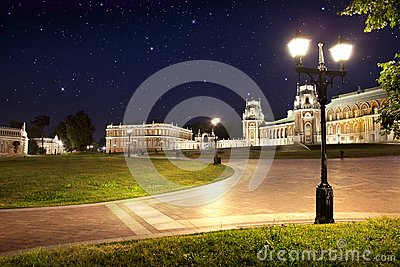 Park Tsaritsino in the night