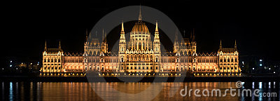 Parlament in Hungary at night