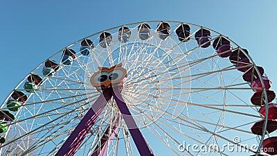 Parque de diversiones Panoramic Wheelette funfair almacen de metraje de vídeo