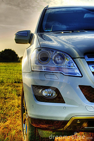 Free Part Of Mercedes ML, New SUV, Headlights Royalty Free Stock Photos - 15012998