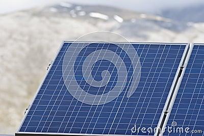 Particolare dei pannelli solari nelle montagne di Madonie