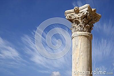Particolare di una colonna romana