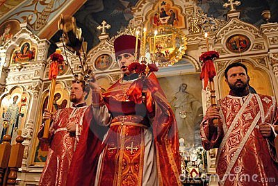 Pascua en Ucrania. Padres santos. Imagen editorial