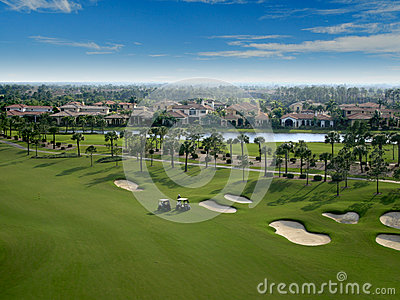 Paso elevado del campo de golf de la Florida