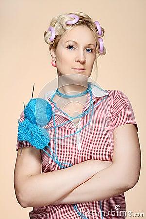 Passatempo. Homemaker, knitter