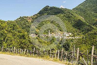 Passo del Cirone (Tuscany - Emilia) - Forest and villages
