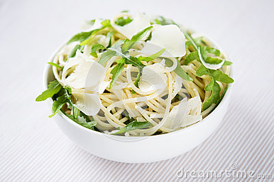 Pasta with arugula and parmesan