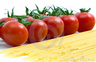 Pasta and cherry tomatoes