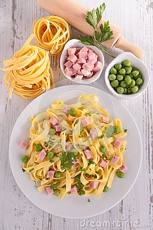 Free Pasta Cooked With Pea And Ham Royalty Free Stock Photo - 45920985