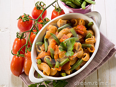 Pasta with green beans and fresh