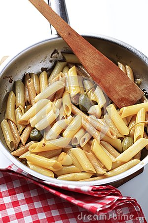 Pasta with pickled capers
