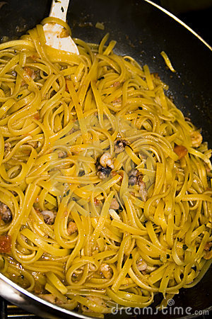 Pasta with shrimps and polyp