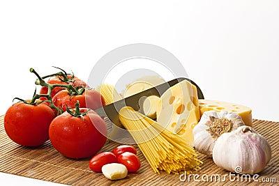 Pasta, tomato and garlic