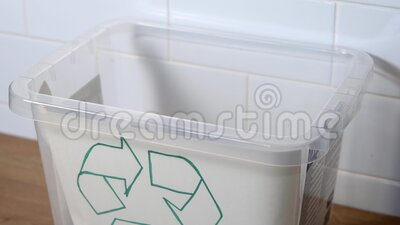 Pastillas para reciclar en blister Concepto ecológico de residuos metrajes